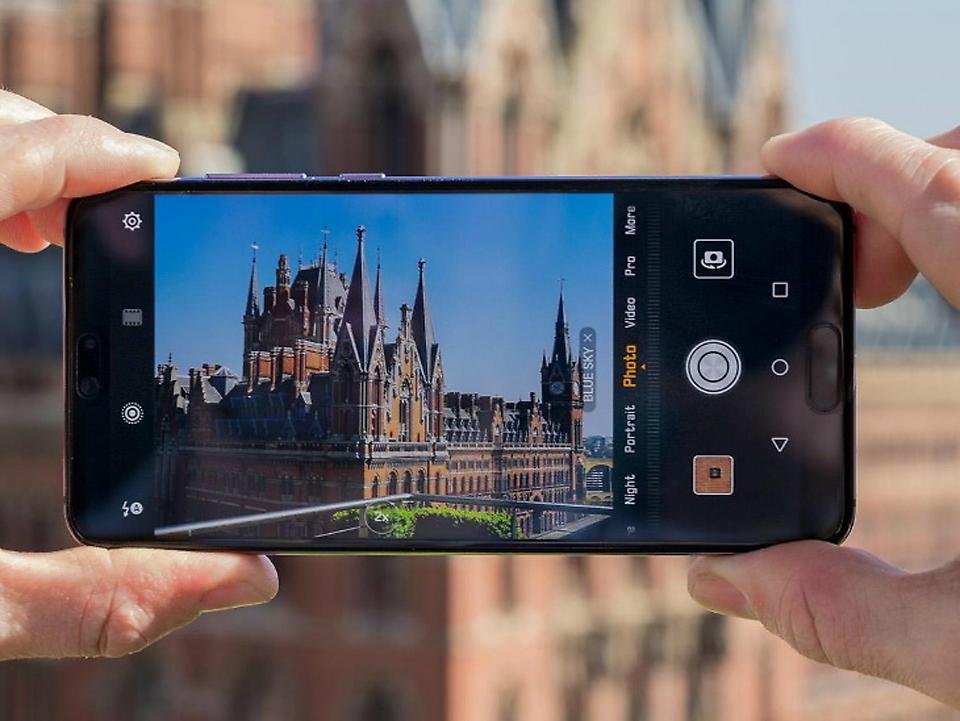 स्मार्टफोनमा राम्रो क्यामेरा खोज्छन् ८९ प्रतिशत भारतीय ग्राहक
