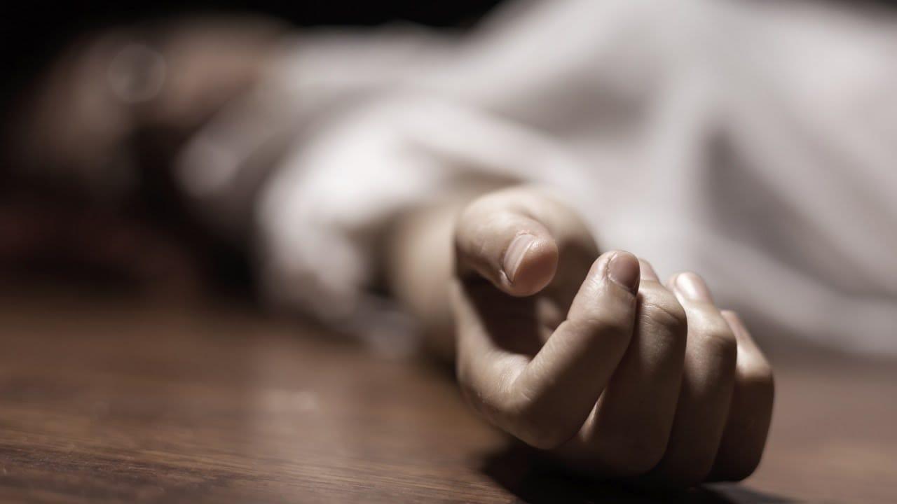 बसपार्कमा एक युवक मृत अवस्थामा फेला