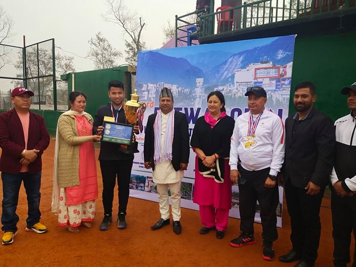 बुटवलमा सम्पन्न तेस्रो खुल्ला लन टेनिस प्रतियोगिताको उपाधि रितिक रानालाई