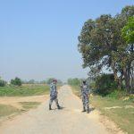 रुपन्देहीको सीमावर्ती भारतीय गाउँमा कोरोना संक्रमण भेटिएपछि  नेपाल प्रवेश गर्ने सीमामा कडाइ